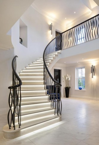 Luxury curved stair - Ellwood Grange precast concrete curved stair installation