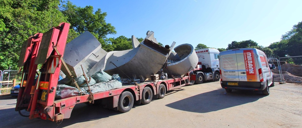 Precast Concrete Curved Stairs Transported on Lorry