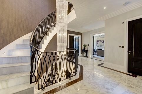 London Road, Shenley - Luxury Property Curved Staircase